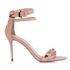 Le Silla sandal with studs in phard colour. #lesilla #springsummer #pink #phard