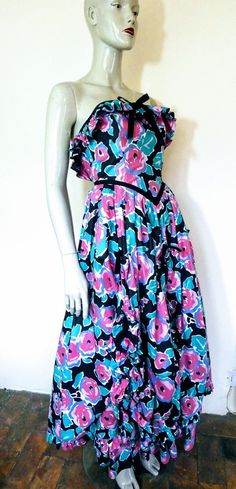 Laura Ashley Black & Pink Floral Dress S 6 Vintage Clothing, Vintage Dresses, Vintage Outfits, Laura Ashley Vintage Dress, Prarie Dress, Ashley Black, Special Dresses, Fabric Bows, Bustier Top