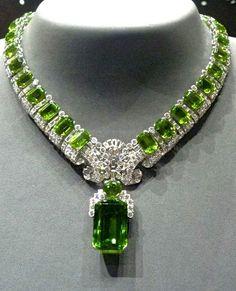 Cartier Peridot and diamond necklace (=)
