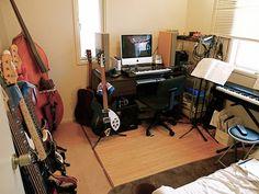 Aaahhh!  A music room!
