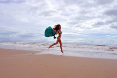 Model: Rayssa Lopes (www.facebook.com/rayssaflopes)  Trabalho de Metodologia de Projeto por Victoria Tavares