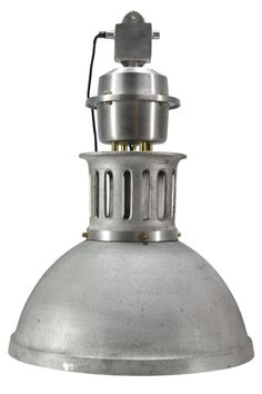 Luminarias de diseño industrial Burnaby en hierro.