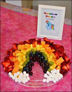 My Little Pony party ideas – Must-have DIY ideas! My Little Pony party-ideeën – Must-have DIY-ideeën ! Rainbow Dash Party, Rainbow Parties, Rainbow Food, Rainbow Dash Birthday, Rainbow Snacks, Rainbow Theme, Pool Parties, Kid Parties, My Little Pony Party