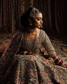 Indian Bridal Outfits, Indian Dresses, Pakistani Wedding Outfits, Wedding Hijab, Pakistani Dresses, Desi Wedding Dresses, Bridal Dresses, Wedding Mandap, Wedding Stage