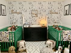 Kelly green and black and white puppy dog nursery with dog print wallpaper and art Puppy Nursery Theme, Dog Nursery, Nursery Twins, Elephant Nursery, Nursery Themes, Nursery Ideas, Nursery Rugs, Nursery Decor, Small Twin Nursery