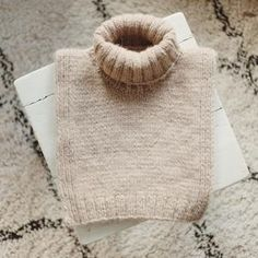 Knitting Accessories, Couture, Knit Fashion, Neck Warmer, Hats For Women, Diy Clothes, Cowl, Knitwear, Knit Crochet