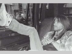 axl rose - before he messed up his beautiful face w/ surgery!
