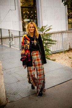 I've done the hard work of narrowing down some of the best street style looks from the very stylish Paris Fashion Week. Stylish Winter Outfits, Autumn Fashion Casual, All Fashion, Paris Fashion, Autumn Winter Fashion, Boho Fashion, Japan Fashion, India Fashion, Street Style Edgy