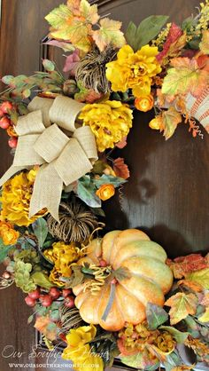 See how I took apart my old fall wreath that was in need of freshening up! I reused it to create a newup to date look for our Fall front entrance. Diy Fall Wreath, Autumn Wreaths, Fall Arrangements, Fall Pumpkins, Mini Pumpkins, Autumn Home, Thanksgiving Decorations, Fall Crafts, Easy Diy