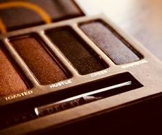 Urban decay naked palette the only eyeshadow i use Eye Makeup, Hair Makeup, Naked Palette, Brown Eyed Girls, Perfume, Brown Shades, Urban Decay Makeup, Colorful Makeup, Colorful Fashion