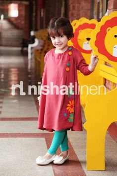 Nisha & Naqsh Kidswear Spring Collection 2013 By Nishat Linen Frocks For Girls, Kids Frocks, Little Girl Dresses, Baby Dresses, Little Girl Fashion, Kids Fashion, Latest Fashion, Fashion Trends, Fashion Clothes