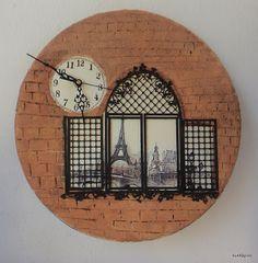 κυκλάμινο: Ένα ρολόι στο........... Παρίσι.