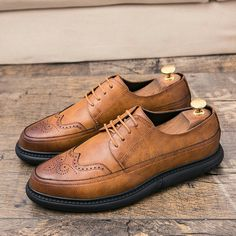 US $26.50<Click to buy> 2018 New Arrival Vintage Retro Leather Men Dress Shoes Pointed Toe Carved Oxfords Wedding Shoes Business Formal Brogue Calcado
