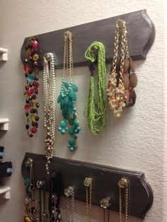 DIY Necklace Holder: Harvest Home.  I'm going to do this for my new room!