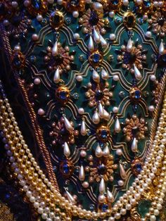 """Queen Elizabeth I, peacock gown bodice detail for """"Shakespeare in Love"""""""