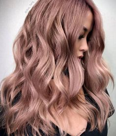 50 Irresistible Rose Gold Hair Color Looks That Prove You Can Pull Off This Trend Pink Hair Dye, Pink Wig, Dyed Hair, Hair Colour For Green Eyes, Gold Hair Colors, Balayage Hair Ash, Ash Blonde Hair, Lace Hair, Rose Gold Hair