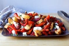 grilled pepper and torn mozzarella panzanella – smitten kitchen added kale Big Salad, Salad Bar, Soup And Salad, Panzella Salad, Pasta Salad, Grilled Peppers, Roasted Peppers, Vegetarian Recipes, Cooking Recipes