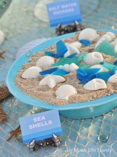 Under the Sea Birthday Party ideas. You'll love all the pretty details of this under the sea ocean birthday party! Food ideas, decorations, treats & more. Kids Birthday Themes, 1st Boy Birthday, Boy Birthday Parties, Mermaid Birthday, Underwater Birthday, Underwater Party, Taco Bar, Little Mermaid Parties, Under The Sea Party