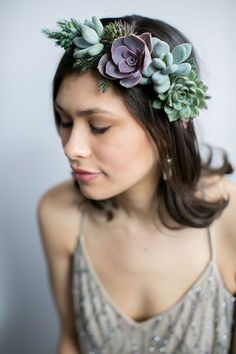 Lovely, easy to wear crown made with locally sourced succulents and seasonal foliage. Succulents and foliage are secured to a sturdy but