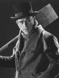"1945 - Place 2 - Boris Karloff in ""The Body Snatcher"" Horror Icons, Horror Films, Horror Posters, Horror Art, Hollywood Actor, Classic Hollywood, Boris Karloff Frankenstein, Bigfoot Photos, Film Noir Photography"