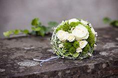 Einen Brautstrauß in Weiß-Grün und vielen anderen tollen Farbkombinationen findet ihr bei uns...   über 180 BEISPIELBILDER