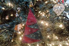 Day Seven: Folded Fabric Christmas Tree Ornament — The Inquiring Quilter - Weihnachtsdeko Selbstgemacht Fabric Christmas Trees, Quilted Christmas Ornaments, Diy Christmas Gifts, Christmas Decorations To Make, Xmas Tree, Christmas Wreaths, Christmas Quilting, Fabric Ornaments, Christmas Sewing Projects
