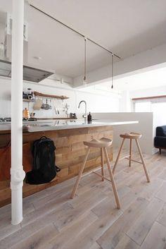 オトコの白: nuリノベーションが手掛けたキッチンです。
