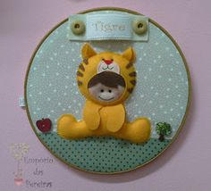Empório das Pereiras: Quadro Tigre Tweety, Projects To Try, Instagram, Industrial Kids Decor, Child Room, Made By Hands, Baby Dolls, Wreaths, Comics