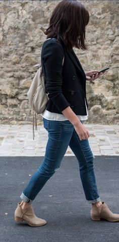 Roll skinny jeans to wear w ankle boots this way Lucky brand bashina booties Via the mom edit