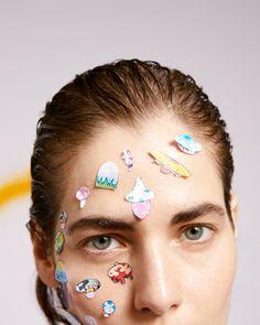 Актриса Юлия Снигирь с арт-макияжем по мотивам работ Такаси Мураками