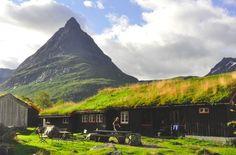 Innerdalen med Innderdalstårnet, vest i Trollheimen. Foto: Gunhild Aaslie Soldal.