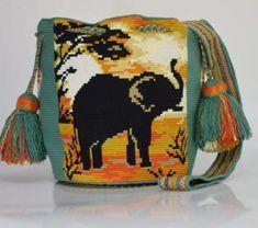 Crochet Clutch Pattern, Crochet Patterns, Mochila Crochet, Hobbies To Try, Tapestry Crochet, Crochet Purses, Handmade Bags, Simple Designs, Cross Stitch