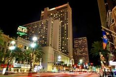 The Marriott is conveniently located in the French Quarter, steps away from Bourbon Street, the Convention Center, Harrah's Casino and more of New Orleans' most famous attractions. You are in the heart of New Orleans when you stay with us. Downtown New Orleans, New Orleans Hotels, Names Of Hotels, Essence Festival, Hotel Trivago, Cheap Hotels, Budget Hotels, Bourbon Street, French Quarter