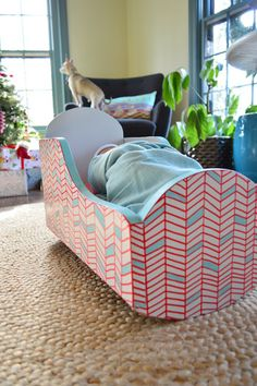 A Painted Pattern That Only Looks Complicated.would love to paint Aves little doll crib like this. Diy Furniture Projects, Kids Furniture, Painted Furniture, Young House Love, Doll Beds, Doll Painting, Little Doll, Construction, Diy Wall Art