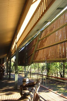Glenn Murcutt - Bowali Visitor Information Centre, Kakadu National Park (1994), designed in collaboration with Troppo Architects.