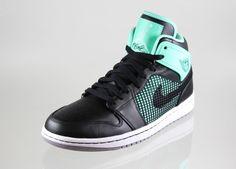 Nike Air Jordan 1 Retro `89 #sneakers #asphaltgold #nike #jordan #jordanbrand #mj