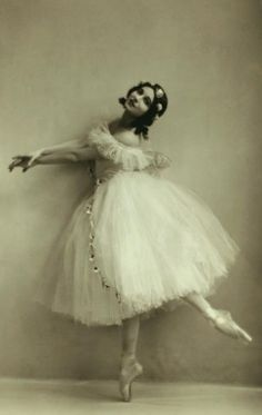 Ruth Page, ballerina and choreographer - 1923 - The New York Public Library