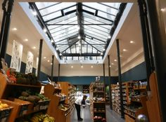 Celeriac, Basketball Court, Sweet Home, Pains, Gauche, Rue, Restaurant, Shops, Food Items