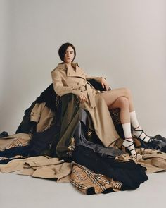 Chloe wearing the Westminster trench coat in classic honey. Styled by Anders Sølvsten Thomsen. A by Thurstan Redding Fashion Photography Inspiration, Editorial Photography, Photography Poses, Fast Fashion, Ladies Fashion, Urban Fashion, Street Fashion, High Fashion, Ethical Fashion