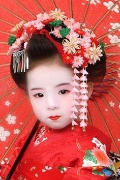 Adorable Little Japanese Geisha Doll Japanese Kids, Turning Japanese, Japanese Geisha, Japanese Beauty, Japanese Kimono, Japanese Doll, We Are The World, People Of The World, Precious Children