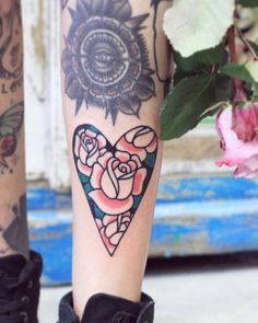 "2,666 mentions J'aime, 22 commentaires - Patryk Hilton (@patrykhilton) sur Instagram: ""Today's fun 🌹 Dzieki Adrianna. #rose #heart #classictattoo #classicroses #bydgoszcz…"""