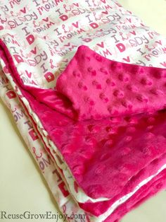 little one that could use a cozy new blanket? Need a baby gift? I will show you how to sew this DIY baby blanket made with Minky dot and flannel fabric.