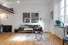 11-sofa-couro-preto-kitnet