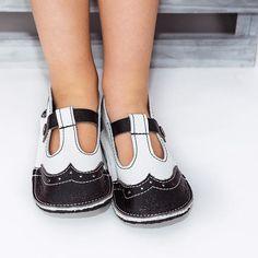 There is something so sweet about tiny little feet, especially in handmade shoes!  #butterflyyourworld #rockyourmoccs #motherhoodunplugged #moccasins #childhoodunplugged #momtogs #fallinlovewithhandmade #clickinmoms #momswithcameras #momboss #smallbusiness #babystreetstyle #babies #girlmom #boymom #brandrep #handmadeisbetter #handmade #like4like #boutiqueshoes #handmadewithlove #shoestagram #handmadegifts #shoes #babymoccasins #shoesoftheday #toddlershoes #babyshop #kidswear