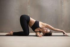 Yoga für den Rücken: Nadel einfädeln