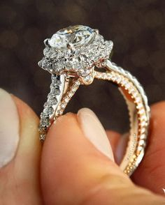 Experience the distinctive artistry and refinement. #Verragio {Couture-0467 New} #engagementring #unlikeanyother