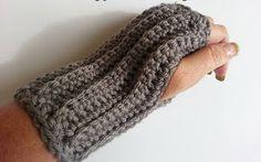 60 Minute Ribbed Crochet Scarf | AllFreeCrochet.com
