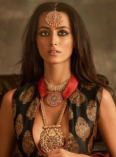 Fashion Gallery :: Khush Mag - Asian wedding magazine for every bride and groom planning their Big Day Ethnic Fashion, Indian Fashion, Indian Aesthetic, Party Mode, Indian Photoshoot, Desi Wedding, Wedding Tips, Bridesmaid Jewelry Sets, Indian Models