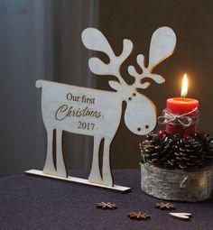 Weihnachtsdeko mit persönlicher Gravur für frische Ehepaare: Erste Weihnachten verheiratet, Elch / wooden moose as christmas decoration with customizable engraving made by Irena502 via DaWanda.com
