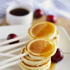 Because pancakes should be loved on more than one day. Fun ideas for incorporating them into your wedding {Image Credit - Little Inspiration}
